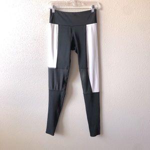 Onzie Black & White Paneled Workout Leggings S / M